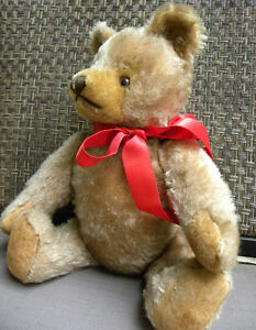 ANTIQUE STEIFF TEDDY BEAR WITH BUTTON IN EAR West Island Greater Montréal image 4