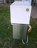 West Bend Automatic Water Distiller