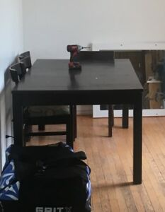 Dining table with 8 refurbished chairs
