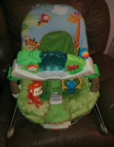 Baby Playmat + bouncy chair