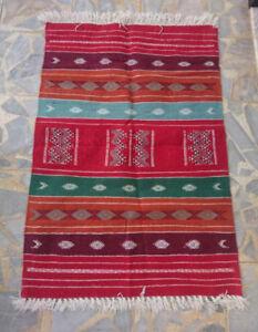 Tapis kilim berbère multicolore en pure laine