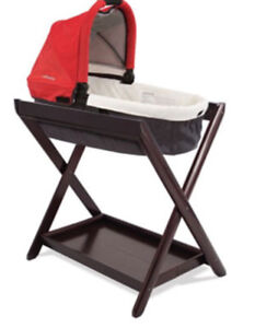 Uppababy bassinet with stand
