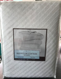 NEW EGYPTIAN COTTON WHITE QUEEN BLANKET