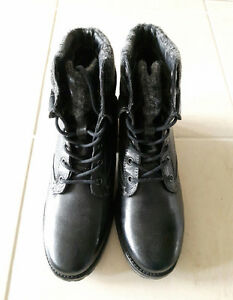 New in box Steve Madden winter boots