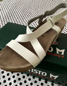 New Mephisto Woman sandals - size 8