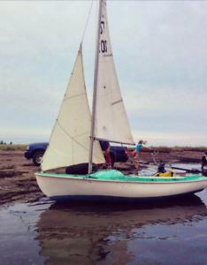 P12 sailboat for sail