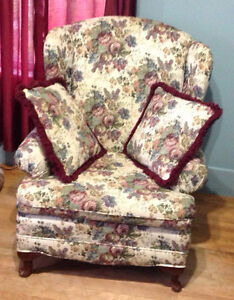 Comfy Wing Chair with 2 Pillows