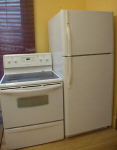Réfrigérateur et une cuisinière de marque Frigidaire pour 550$