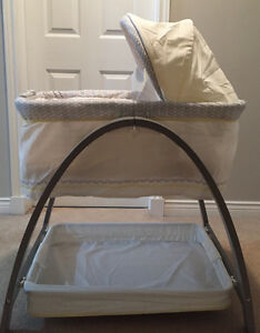 Brentwood Grey-Finish Motion Bassinet