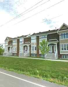 Maison a louer avec garage maisons louer dans grand for Garage interieur a louer montreal