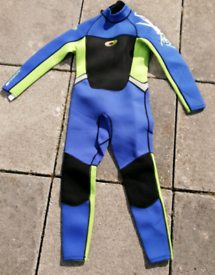 New Full Wetsuit. Osprey MS Boys. Check label chart for size meas