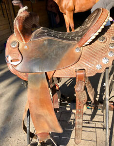 "15"" Shiloh barrel saddle western"
