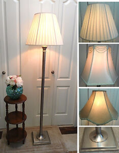Great Condition!Floor Lamp with 4 Optional Shades (TEXT/CALL)