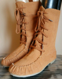 WILD DIVA LOUNGE Womens Sz 8.5 Leather Moccasin