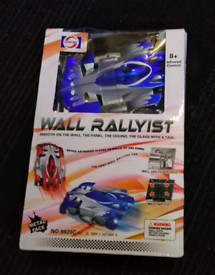 Wall Rallyist toy