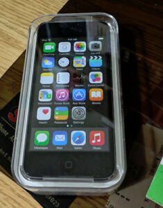 IPOD TOUCH 32 GB 4TH GEN (NEVER OPENED)