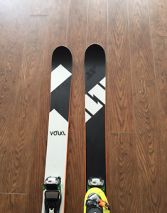 Ski set including boots and poles