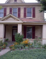 Gorgeous 2 Bdrm, yellow-brick Avail March 1st. (all inclusive)