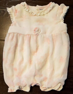 Baby girl clothes size 0 (New Born)