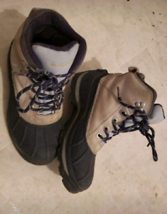 Mens Columbia boots size 7 (womens 9)