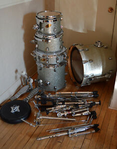 Fully equipped Ludwig drum kit. Accent CS Custom. Silver glitter