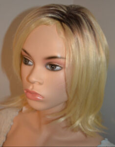 BRAND NEW: Deluxe Textured Shoulder-Length Blonde Bob Wig