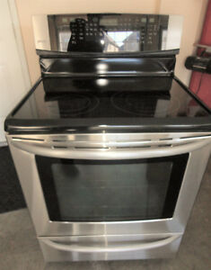 SS Kenmore Glass Stove in Excellent Condition