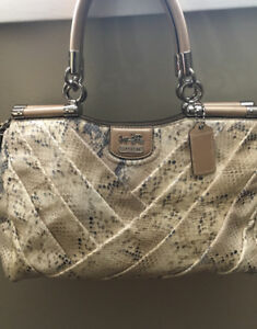COACH faux snakeskin pinical leather hand bag off white/brown