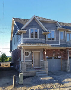 Brand new Lakeside house for rent in Grimsby. Available now!