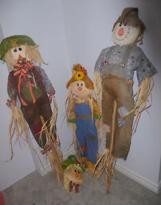 Scarecrow family, very good condition $ 15 for all