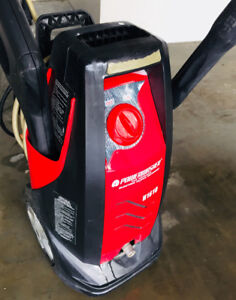 1400 PSI pressure washer in an excellent condition.