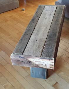 Table de salon en bois centenaire