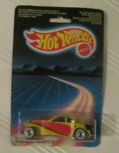 Hot Wheels '37 Bugatti With Metal Fenders #2526 MOC 1986