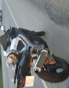 ninja zx9 with tons of aftermarket
