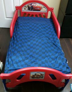 Kids toddler bed Cars with the mattress and sheet
