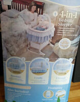 Bassinet 4 in 1 bedside sleeper with remote control for vribrate