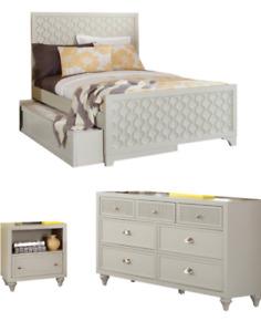 Brand new !bedroom set  3p set