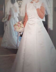 Classic and Timeless Wedding Dress