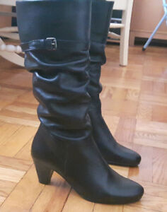 Women leather boots from Aldo