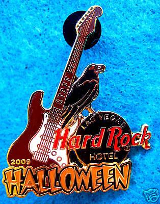 LAS VEGAS HOTEL STAFF 2009 HALLOWEEN RAVEN BIRD GUITAR Hard Rock Cafe PINS LE