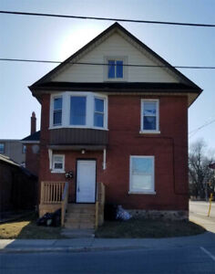 4+2 Bdrm Det'd Home In Downtown Oshawa