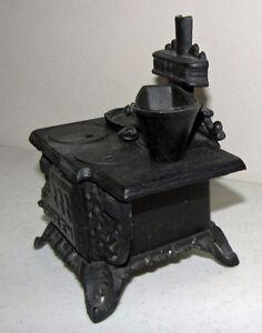 Vintage Miniature Black Cast Iron Old Fashioned Cookstove Kawartha Lakes Peterborough Area image 3