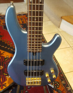 Yamaha 5 String Bass