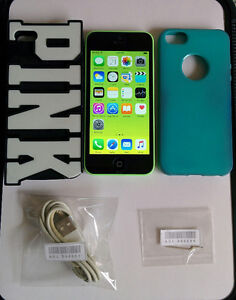 IPHONE 5C /16GB/ LOCKED TO ROGERS IN MINT CONDITION