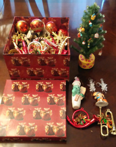 FREE On Porch Christmas Tree Decorations and desk tree