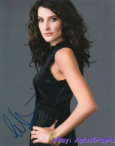 COBIE SMULDERS.. Breathtaking Beauty - SIGNED