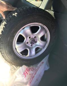4 pneus d'hiver (montés sur jantes)