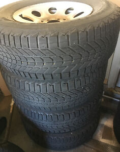265/70/17 winter tires and rims set off 4