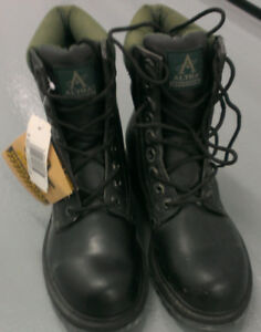 New Steel Toe Work Boots CSA approved Size 8
