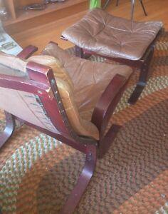 vintage mid century siesta chair and stool London Ontario image 6
